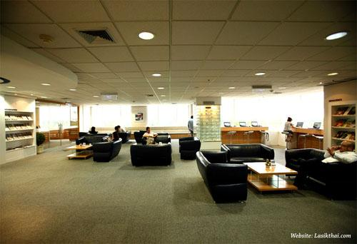 Waiting Lounge - TRSC International LASIK Center