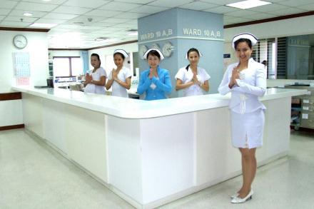 English-Speaking Nurses - Yanhee Hospital