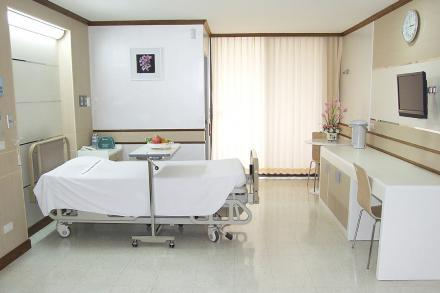 Patient's Room - Standard - Yanhee Hospital