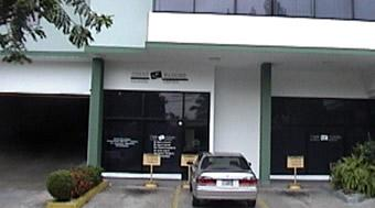 Outside view - Clinica Dental Corro Maduro