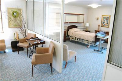 Patient's Room - Istanbul Memorial Hospital