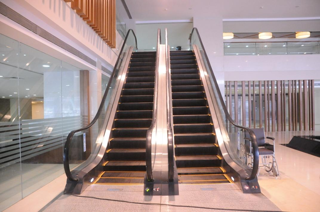 Escalators - Sevenhills Hospital