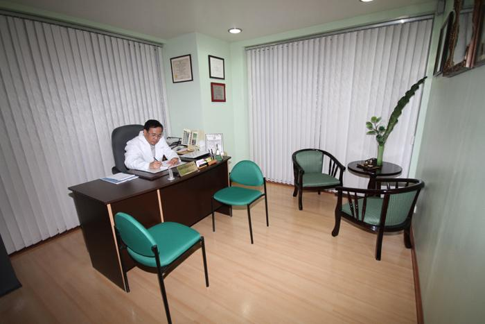 Doctor's Office - RVB Cosmetic Surgery and Skin Care Center