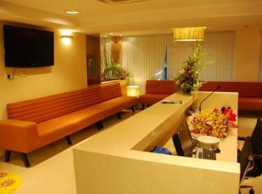 Waiting Lounge - Nova Medical Center Kailash Colony - Apollo Spectra Hospital Kailash Colony